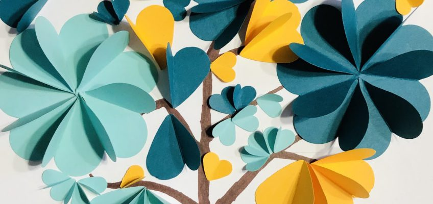 2019 Paper Heart Tree Craft